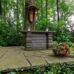 Merode-Ehrenfriedhof-Marienbildchen-9