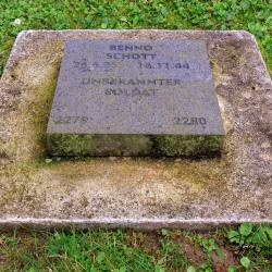 Vossenack-Duitse-begraafplaats-8