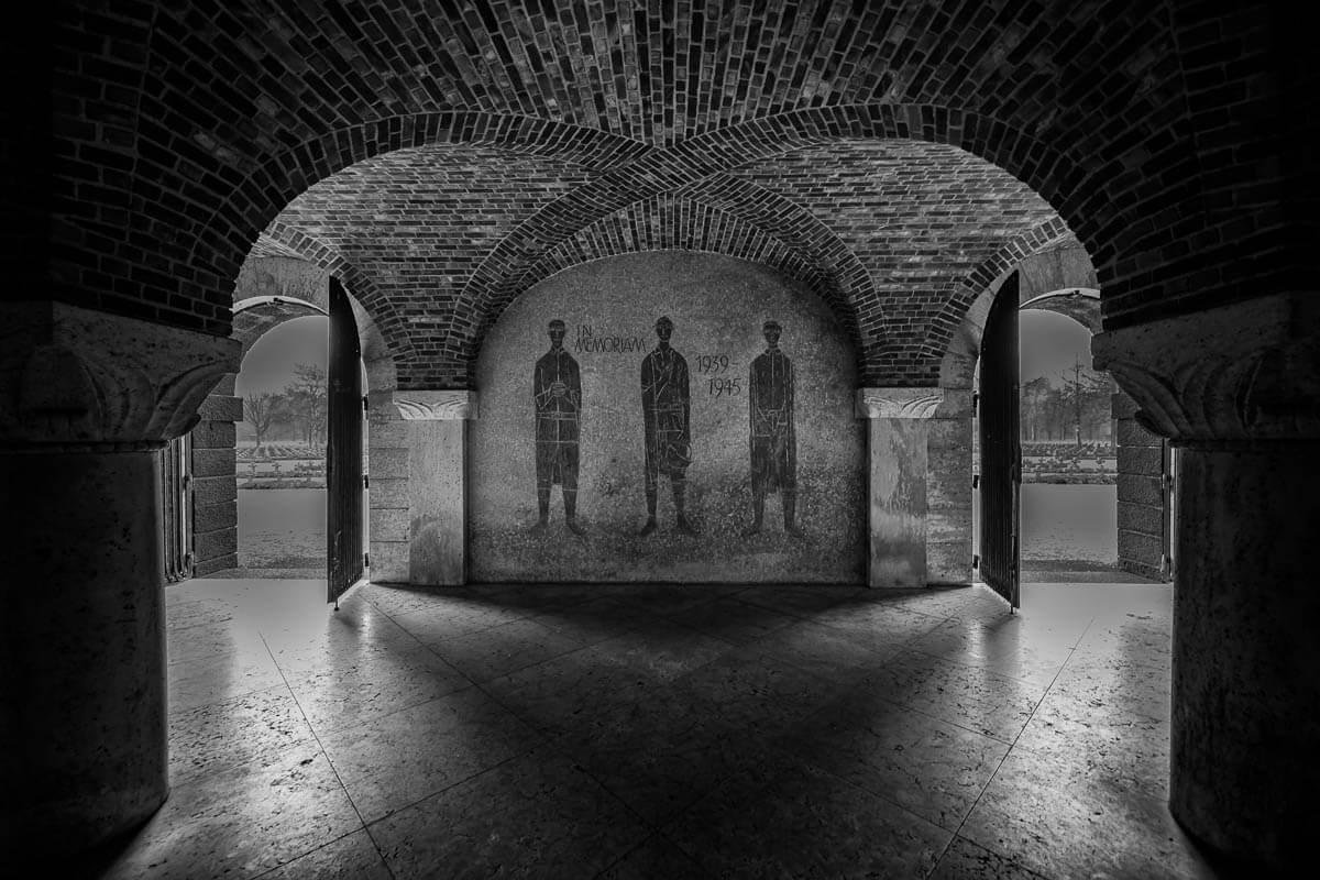 Binnenzijde-crypte-begraafplaats-Lommel