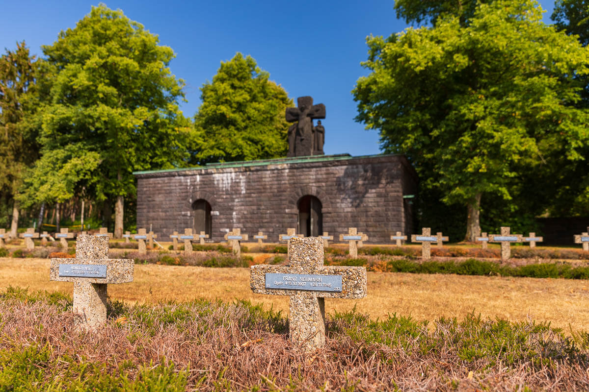 Crypte-begraafplaats-Lommel