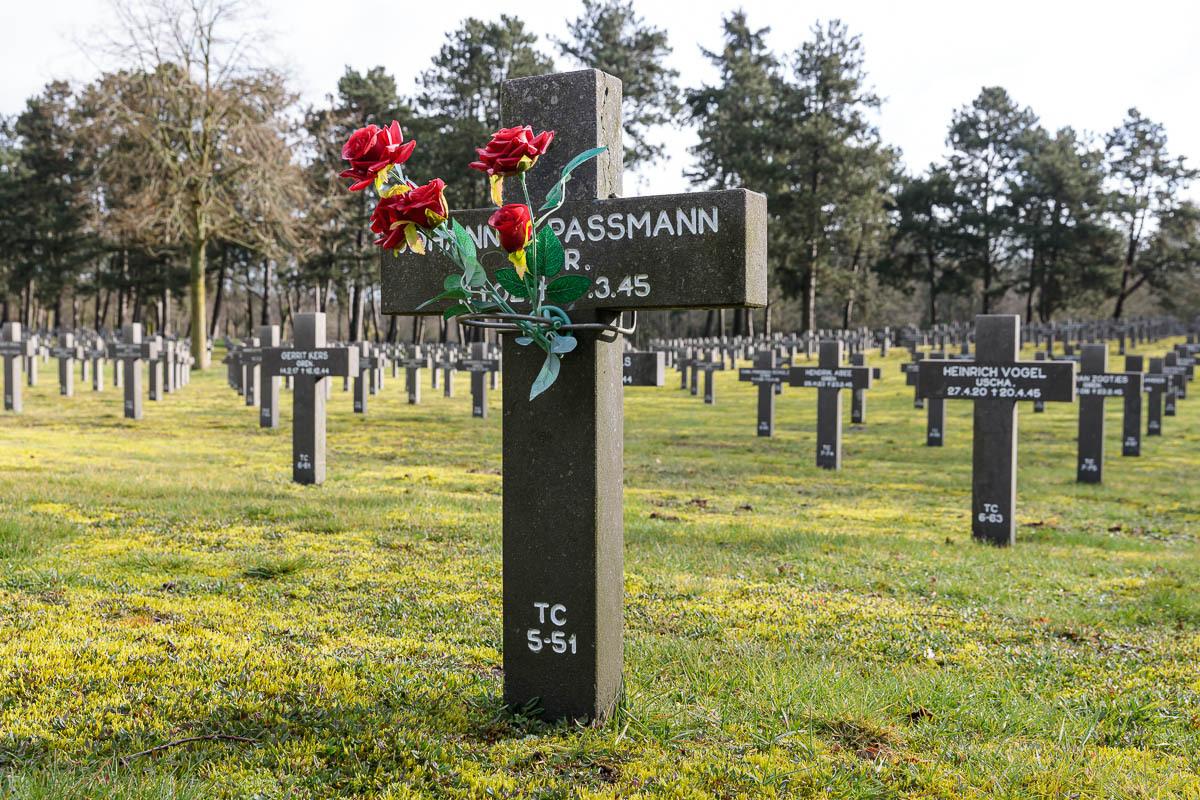 Ysselsteyn-Duitse-oorlogsbegraafplaats-18
