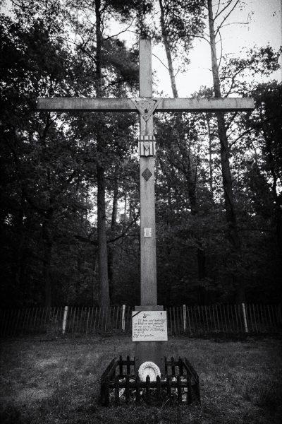 Geheime-executieplaat-Hechtel-kruis