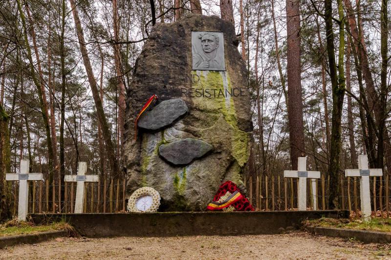 Monument-van-de-weerstand