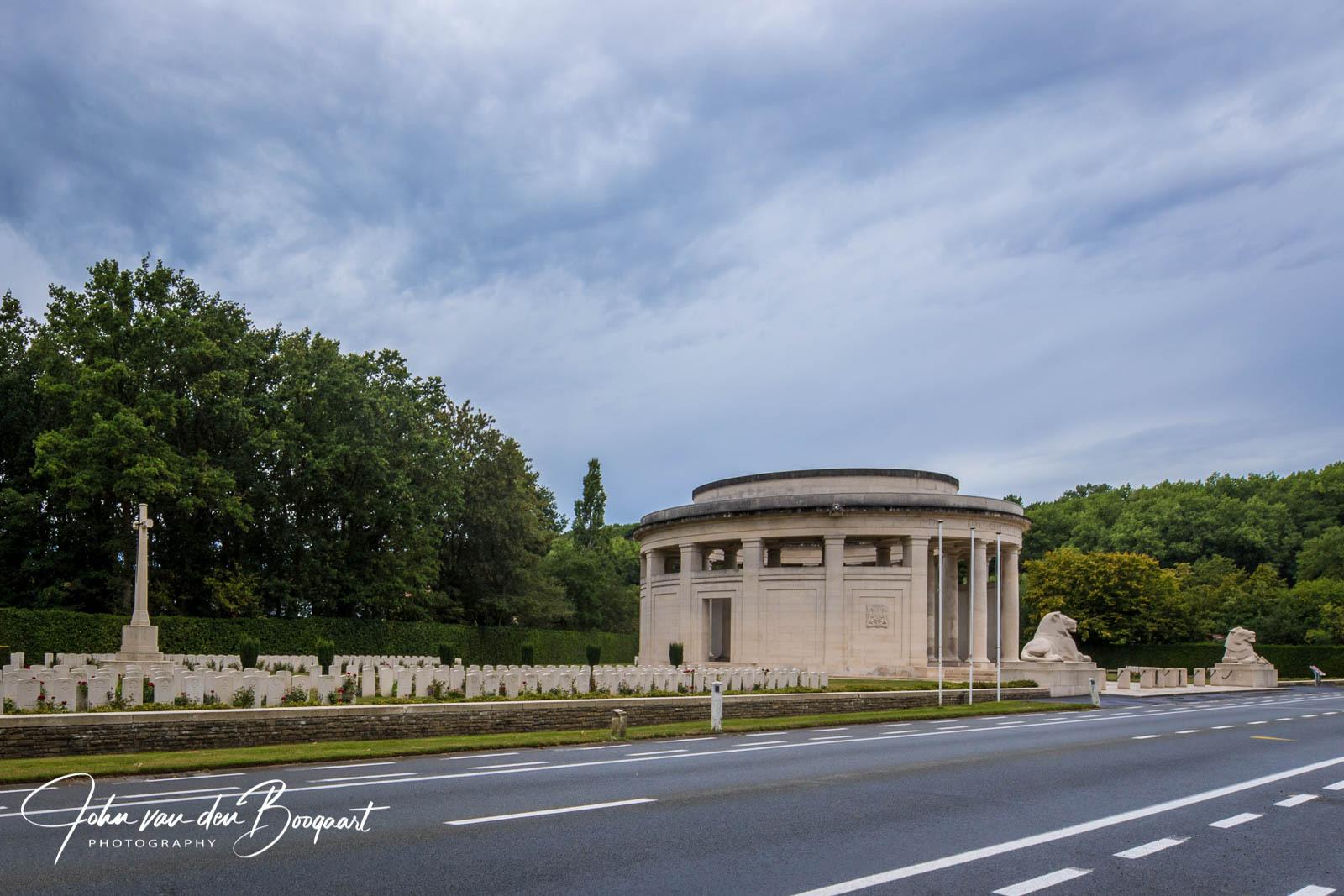 Monument bij Berk cemetery Ploegsteert