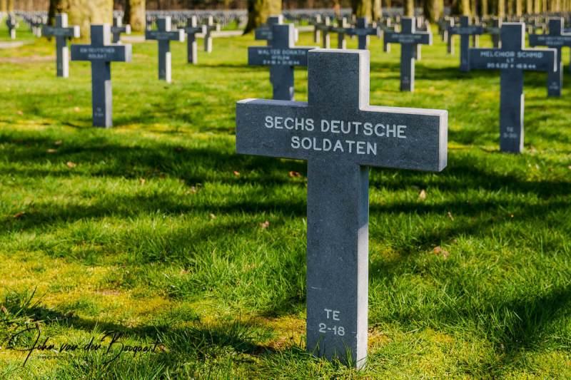 Sechs-Deutsche-soldaten