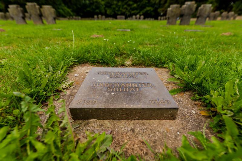 Grafsteen voor onbekende soldaten