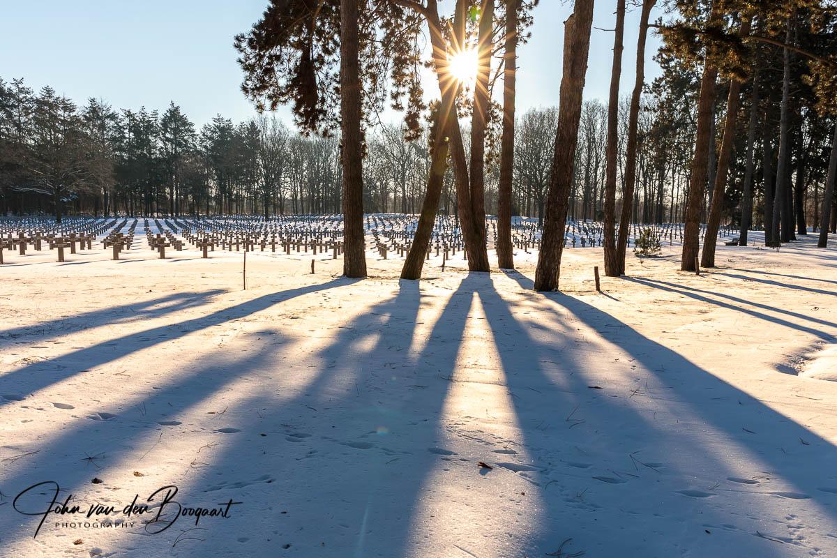 Ysselsteyn-Duitse-begraafplaats-in-de-sneeuw-10