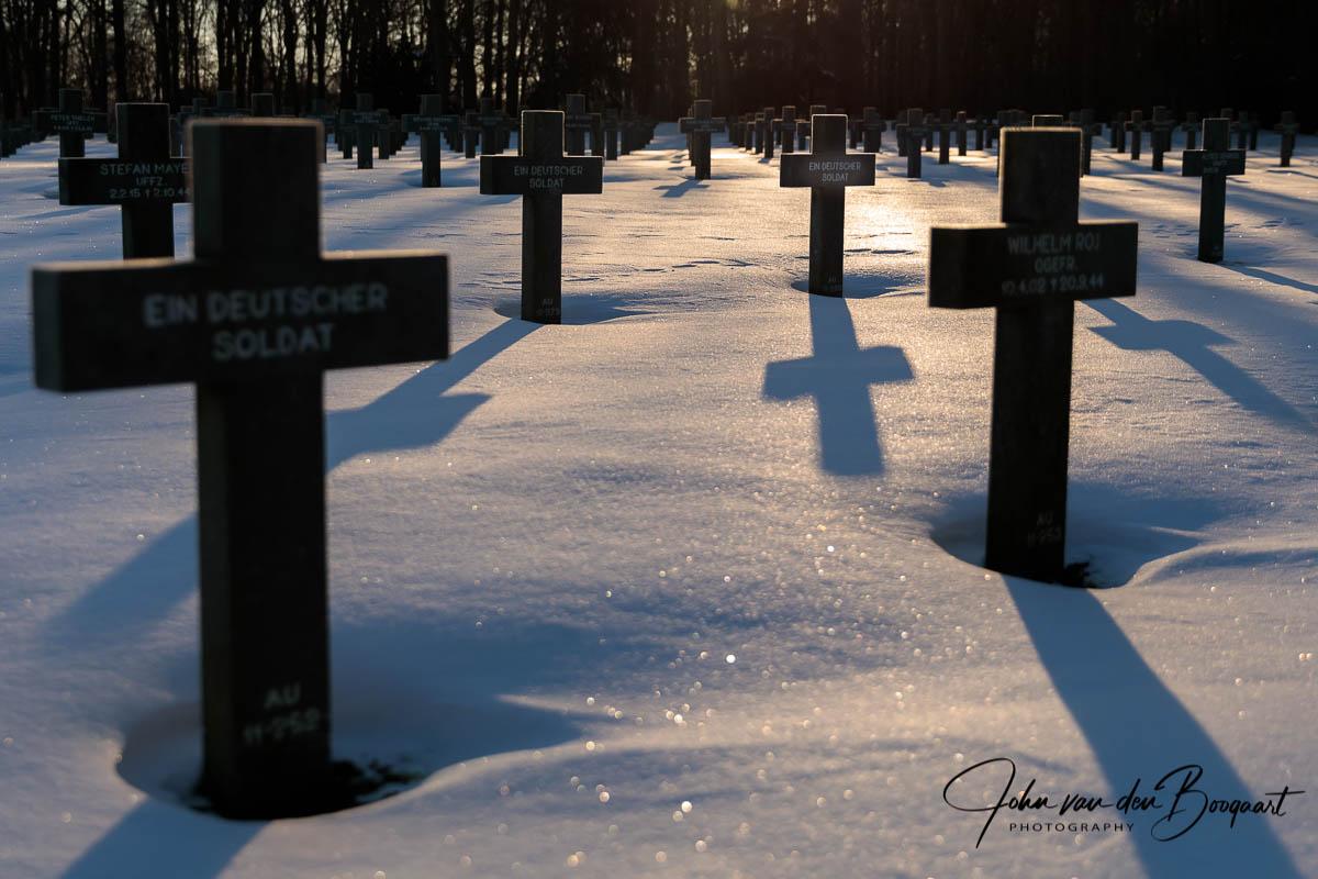 Ysselsteyn-Duitse-begraafplaats-in-de-sneeuw-3
